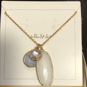 Stella & Dot- pendant necklace